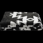 Azaki Throw Black